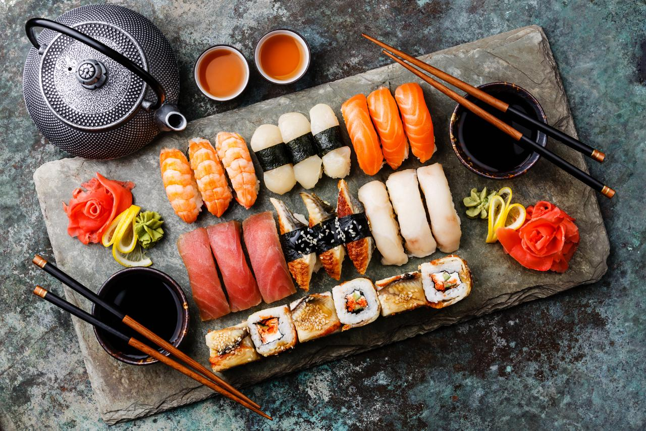 Sushi luxurious dinner & Superior Room 1 night